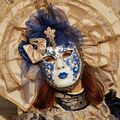 ,,pod maskou,,