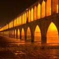 Isfahán - most 33 oblouků