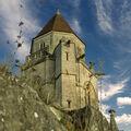 Saint-Etienne le Vieux - ruina uprostřed města