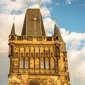 Mostecká věž a měsíc