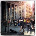 Před Pantheonem