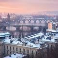 Pražské mosty za zimního rána