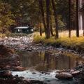 chatka u řeky