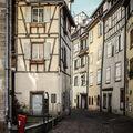 Ulice starýho městečka.