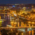 Noční Praha žije