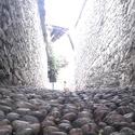 Chodník jako zeď