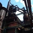 V Továrně