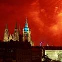 Rudá záře nad Pražským hradem