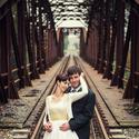 Novomanželé ve starých kolejích