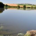 U rybníka ve Skalici.