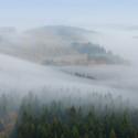 Mlha pod námi