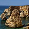 Rozervané pobřeží