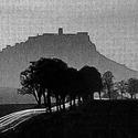 Cesta pod hradom