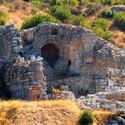 Starověký Efes - ruiny divadla, levá část (Turecko)