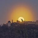 Měsíc a Starý Jičín