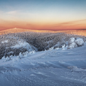 Pohled na Vozku z Červené hory v nízkém ranním světle