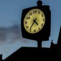 čas....