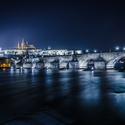 Modrá záře nad Pražským hradem