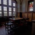 Jídelní kout na hradě Bouzov