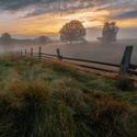 Podzimní východ v pastvinách