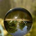 fontána ve skleněné kouli