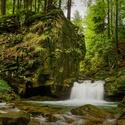 Satinské vodopády v časném podzimu