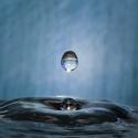 Kapka vody při dopadu