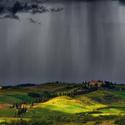 Bouřka v údolí Val de Orcia