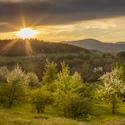 Západ slunce nad krajinou