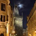 Měsíc nad Prašnou bránou