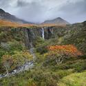 Podzimní vodopád Eas Mòr