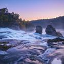 Rýnské vodopády za soumraku