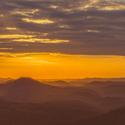 Západ slunce nad horami