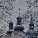 Zámecký park s kostelem