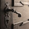 Klika dveří píseckého kostela