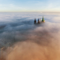 Praha v mlze