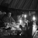 Večeře pastevců v jurtě