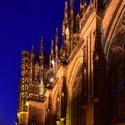 Za katedrálou
