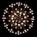 Honosný lustr v Národním domě na Vinohradech