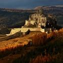 Spišský hrad v jesennej scenérii / Zasvietilo ...