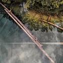 Balancování nad vodou