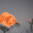 Západ slunce na Mt. Everestu.