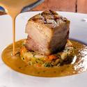 Pečený bůček s foie gras omáčkou