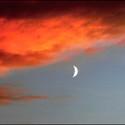 Západ slunce s měsícem.