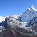 Himálajská  Ama Dablam 6812 m.