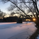 Západ nad zamrzlou Moravou