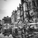 rozhraní města plné deště
