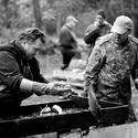 Třídění ryb po výlovu
