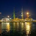 Loďka v Italském přístavu