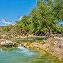 Malá říčka k vodopádům Darbat waterfall